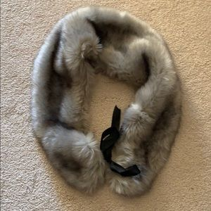 Accessories - Gray Faux Fur scarf